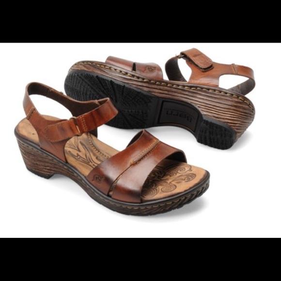 570c95dc8 🌀Born Jacqui Sandals - Sz 7🌀